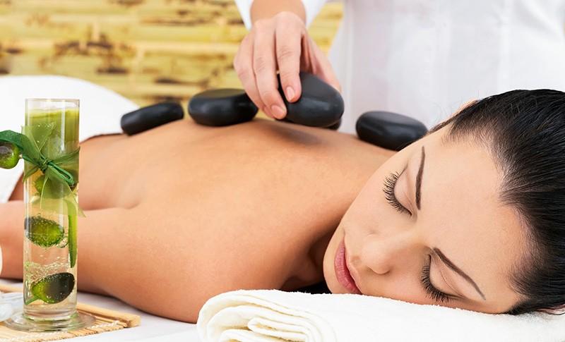 massage-thu-gian-voi-da-nui-lua-giai-cam-hay-thao-duoc-thai-doc-da-20141025101937217